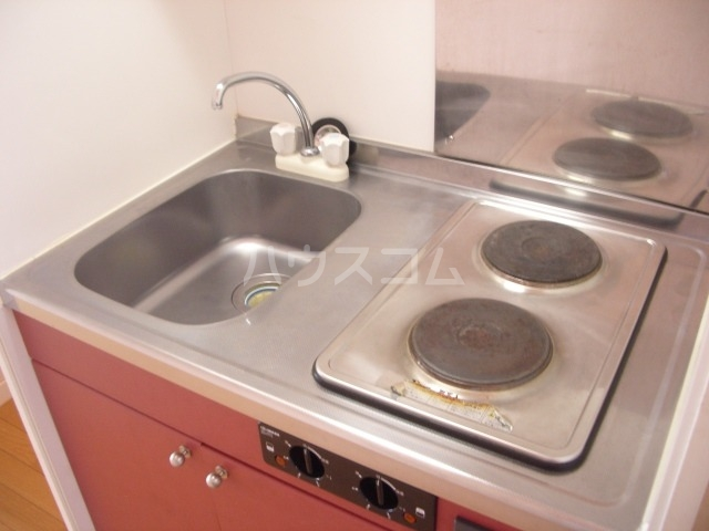 レオパレスルプラン 104号室のキッチン