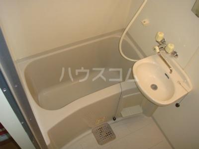 レオパレス西中根公園 211号室の風呂