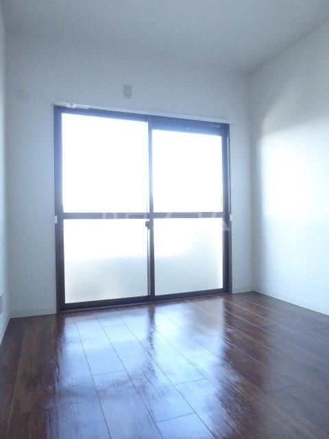 セントラルヒルズ 402号室のベッドルーム
