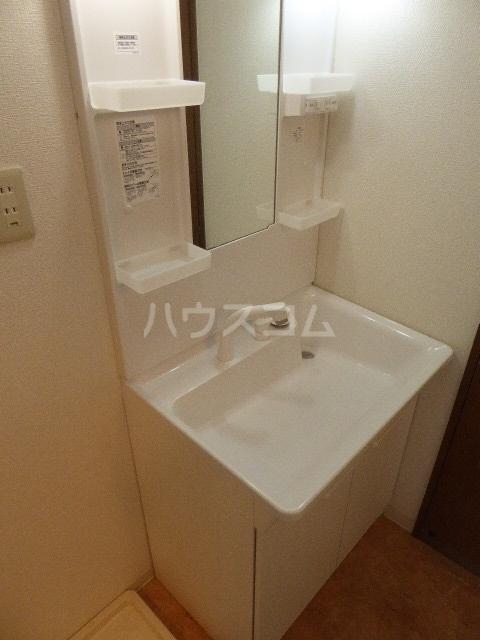 セントラルヒルズ 402号室の洗面所