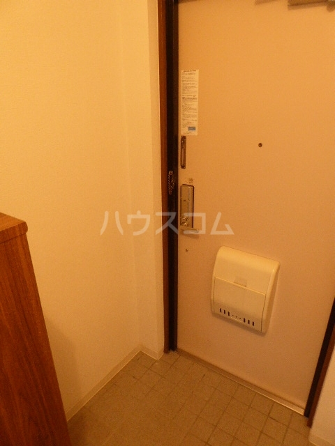 セントラルヒルズ 402号室の玄関