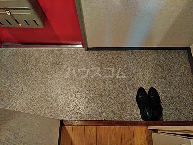 エクセレンス山ノ内 207号室の玄関