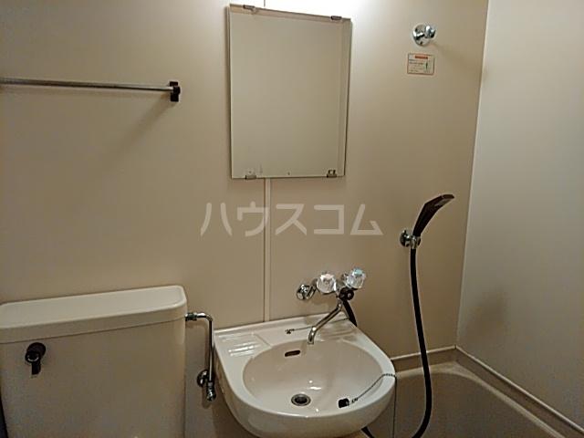 エクセレンス山ノ内 207号室の洗面所