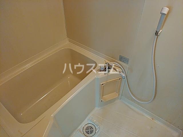 メゾン白鳳 202号室の風呂