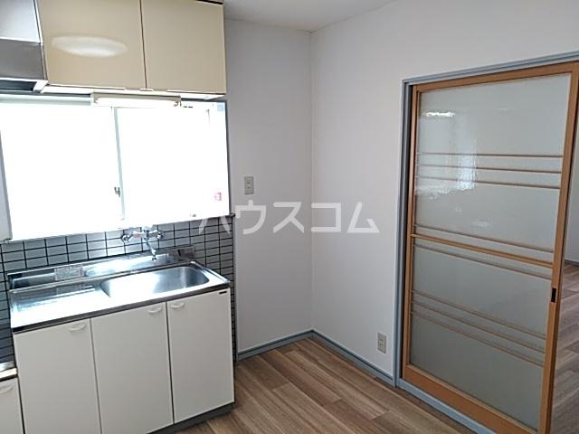 メゾン白鳳 202号室のキッチン