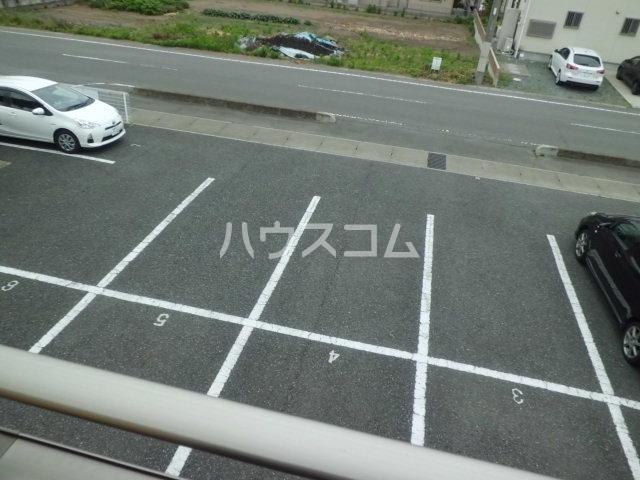 リビオンH&Mの駐車場