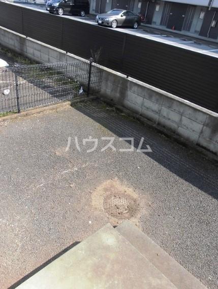 グリーンハイツ尾崎台 A 102号室の庭
