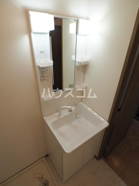 コートヴィレッジ 102号室の洗面所