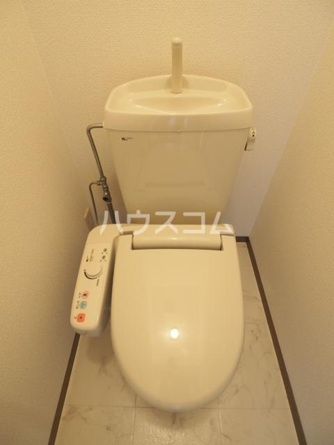 コートヴィレッジ 102号室のトイレ