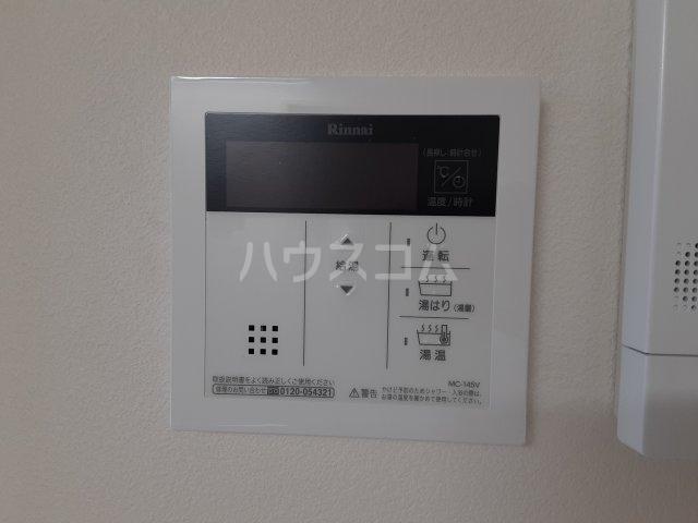 リバティハウス 102号室の玄関