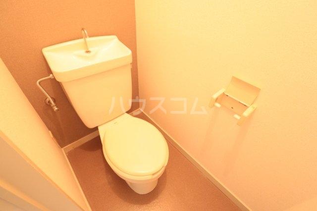 流山カサベラ七番館 102号室のトイレ