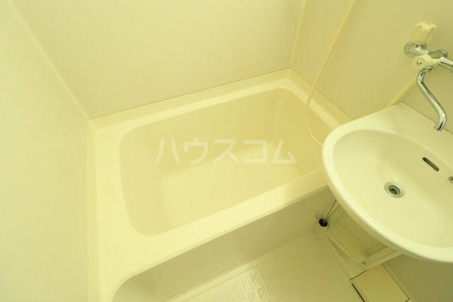 流山カサベラ七番館 102号室の風呂