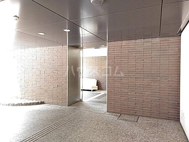 リージア経堂テラスガーデン 107号室のエントランス