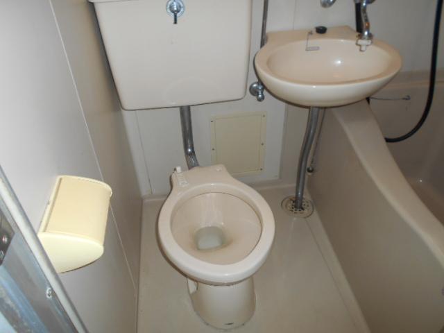 ホワイトウイング連光寺Ⅱ 201号室のトイレ