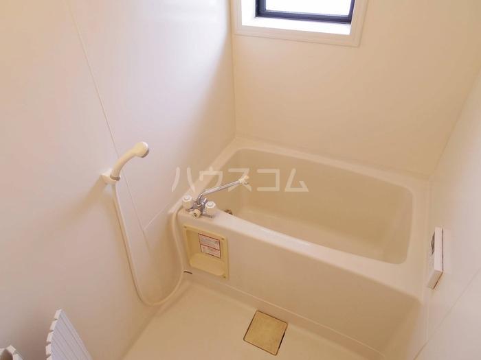 エスコルタ新町 B 201号室の風呂