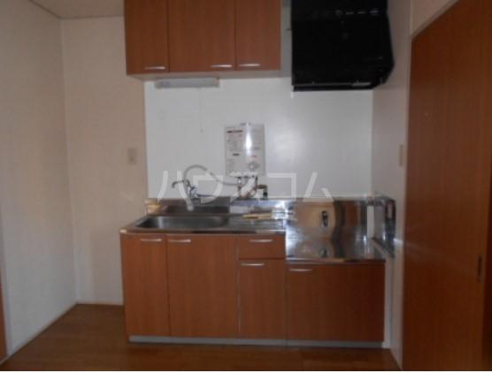神取ハイツ 101号室のキッチン