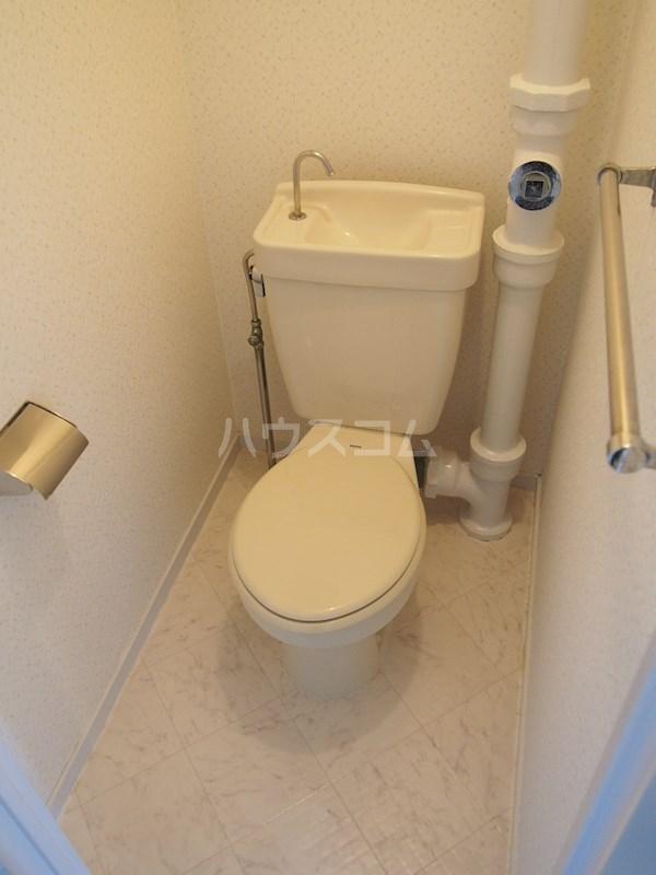 サンライト長住 401号室のトイレ