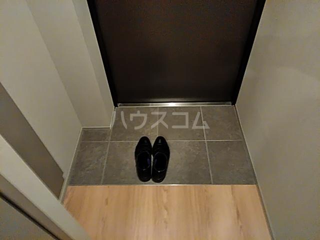 ブーブーヴィラ円町 502号室の玄関
