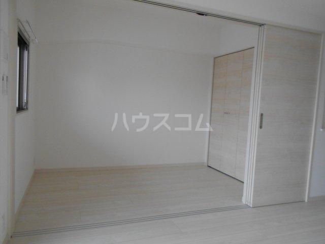 プレベール平尾駅前 602号室の居室