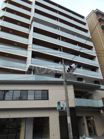 プレベール平尾駅前外観写真