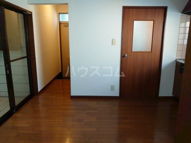 サクセスダイセイ 206号室のリビング