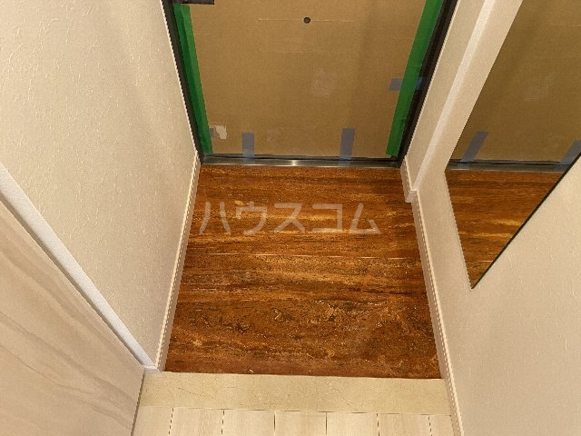 プレジオ豊中 201号室の玄関