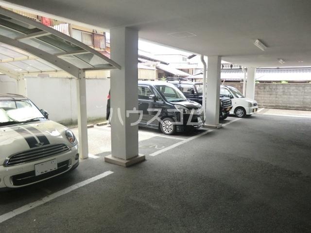 グレース安田 305号室の駐車場