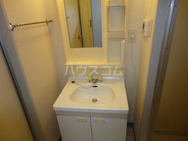 グレース安田 305号室の居室