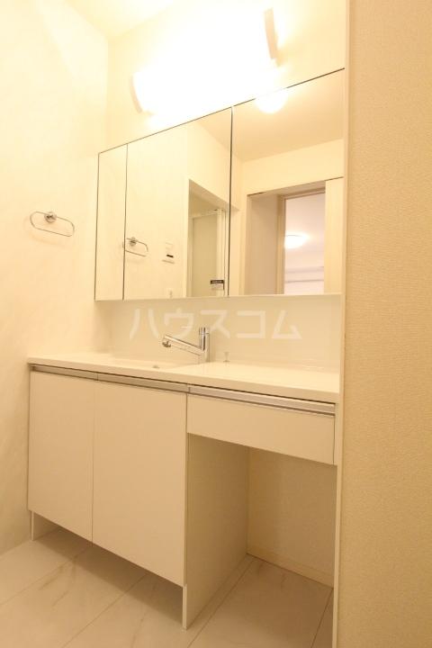 ノートルメゾンⅡ 101号室の洗面所
