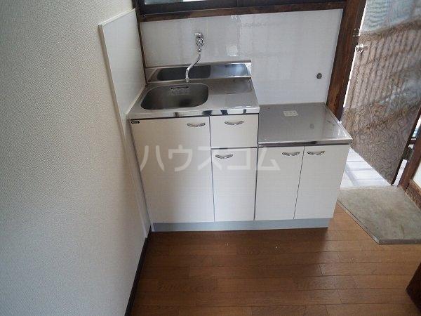 グリーンヴィレッジ 101号室のキッチン