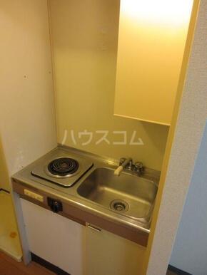 パレ・ドール西国分寺 104号室のキッチン