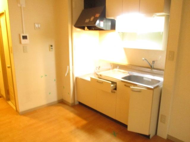 グリーンコーポ旭 303号室のキッチン