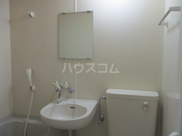 トモエ―ル 101号室の洗面所