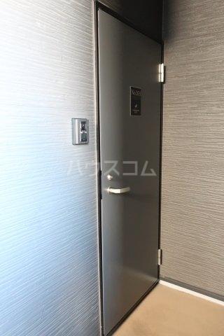 K'sハイツ 202号室の玄関