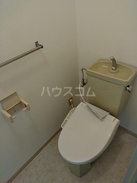 ラ・メゾン2 306号室のトイレ