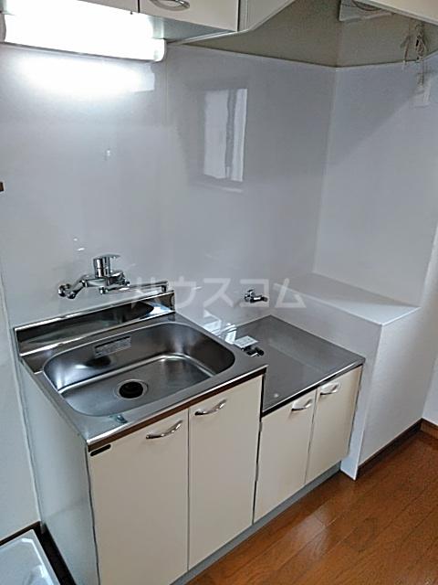 グリーンハウス D号室のキッチン