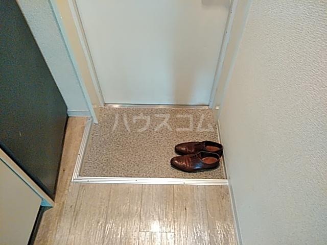 エクセレント丸太町 101号室の玄関