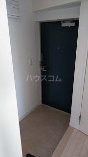 フレシア駒込 203号室の玄関