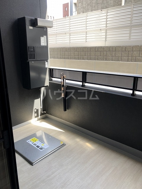 マスターズ ヒル横濱紅葉坂 303号室のバルコニー