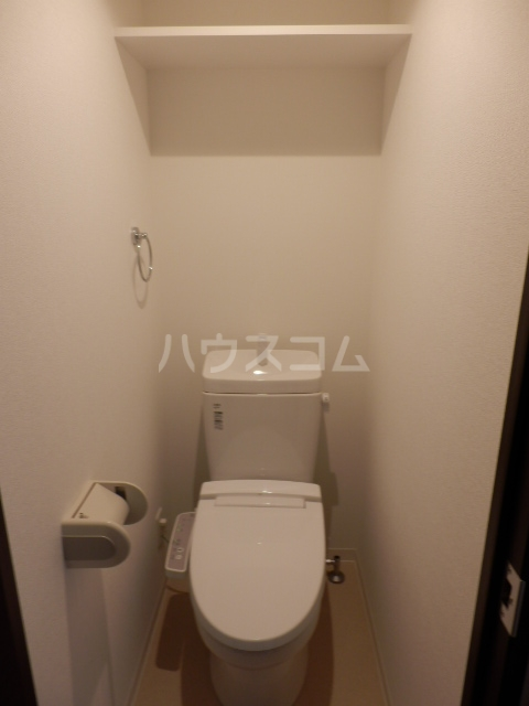 パインレジデンス 401号室のトイレ