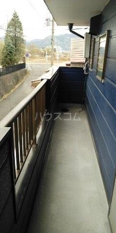 弥勒戸建て地下倉庫付のバルコニー