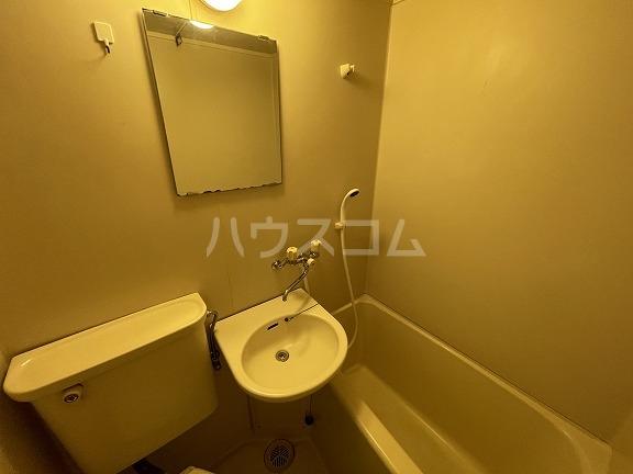 フラット野田 202号室の洗面所