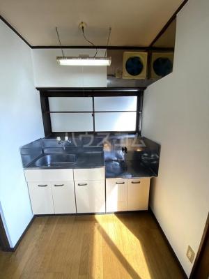 シャレル茂呂K 9号室のキッチン