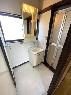 シャレル茂呂K 9号室の洗面所