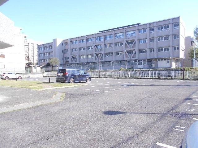 ウェルフォート幸川 1205号室の駐車場