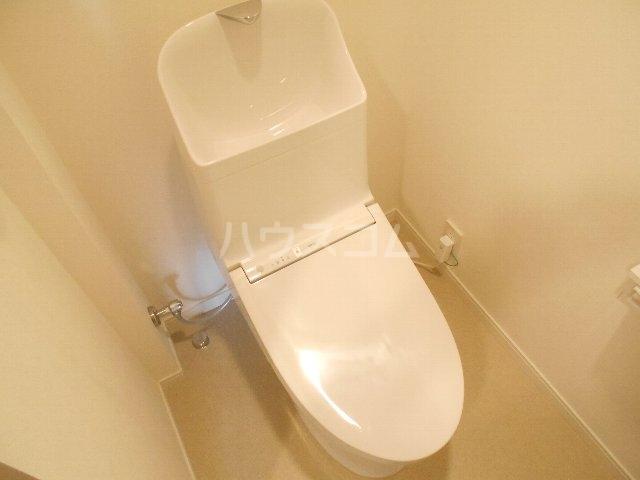 ウェルフォート幸川 1205号室のトイレ