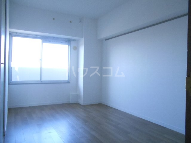 ウェルフォート幸川 1205号室の居室