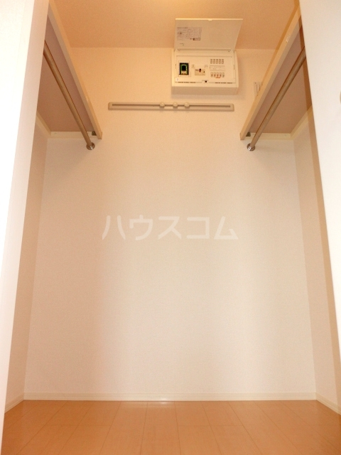 アプリコットガーデン C 302号室の収納