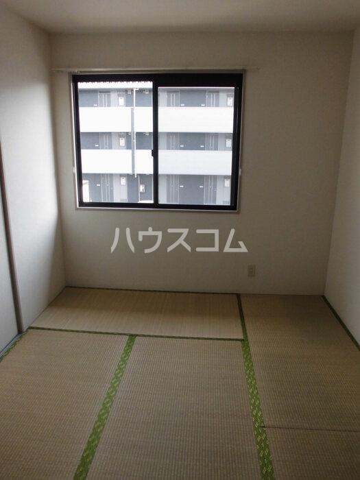グリーンハイツ尾崎台 A 201号室のベッドルーム