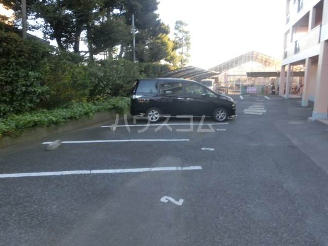 グランディールYOKOYAMA Ⅱ(グランディールヨコヤマ) 00303号室の駐車場